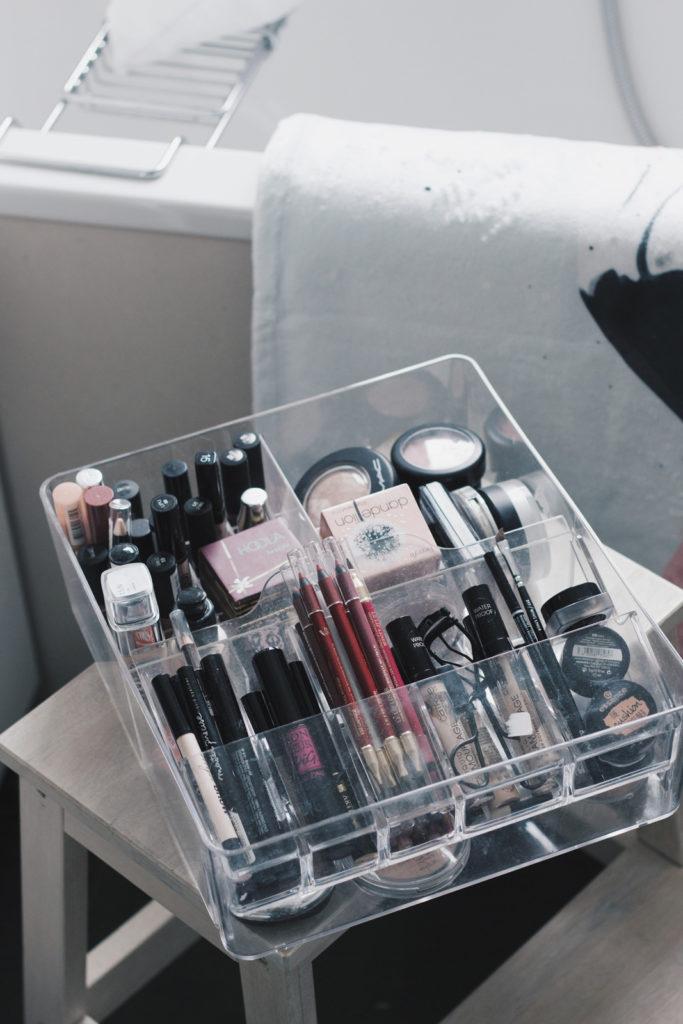 Badezimmer 5 Tipps Wohlfühloase Nivea Beauty Blog Deutschland Influencer Mizellen Reinigungstücher Juniqe Aufbewahrung