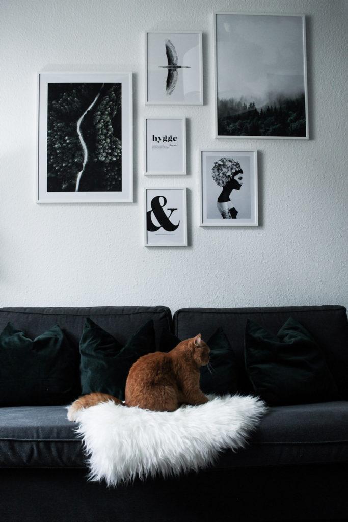 Ein Blick Ins Wohnzimmer Meine Bilderwand Mit Desenio Werbung Little Emma
